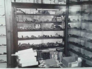 Interesting photo of a view of Col. Vietzen's study, which was in his home.  The artifact described in this article is located in the center case, second row from the bottom, on the right.